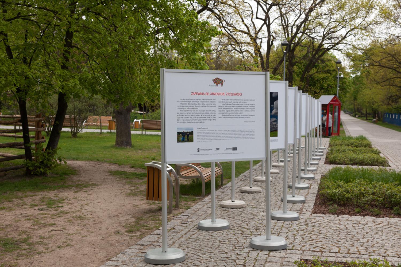 Wystawa fotografii Tomasza Tomaszewskiego w Konstancinie