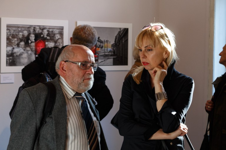 """Wystawa """"Teatr Czasu"""" - Piotr Sawicki, realizacja - WydrukujFotografie.pl, fot. Artur Radecki"""